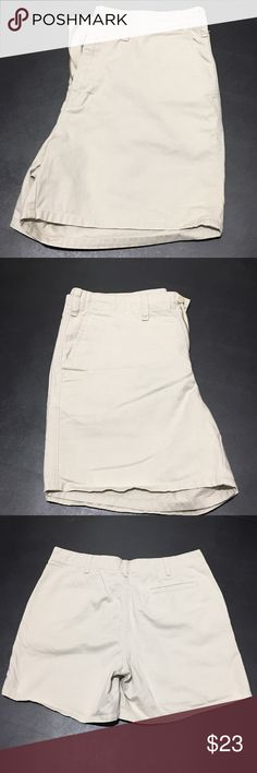 "EUC Woman's 8 Casual Light Khaki Bass 5"" Shorts Pre💜EUC 100% cotton come from a smoke & pet free home thank you for visiting my closet Happy Poshing💕 Bass Shorts"