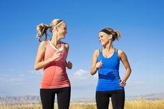 Életünkből a mozgás hiányzik a legjobban. És ha végül valaki mégis sportolni kezd, rengeteg félrevezető információval találkozik.