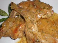 Conejo para navidad Canapes, Large Bowl, Chicken Wings, Coconut, Cooking Recipes, Meat, Food, Baileys, Meals