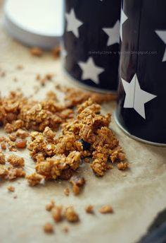 Moje Dietetyczne Fanaberie: Pachnąca cynamonem dyniowa granola