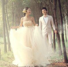 2013-Korea-Style-Romantic-Grid-Yarn-Ladies-Wedding-Dresses.jpg (609×608)