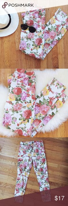 Floral Topshop Skinny Jeans Floral skinny jeans perfect for spring in great condition! Topshop Jeans Skinny