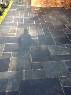 This amazing image collections about Slate Patio Tiles is available to save. Balcony Tiles, Patio Tiles, Patio Flooring, Slate Flooring, Flooring Ideas, Garden Tiles, Garden Paving, Casa Patio, Backyard Patio