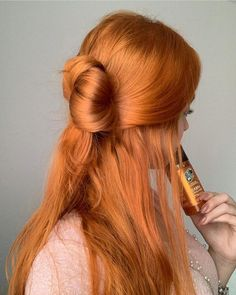 Plan Your Food Plan In Real 'Melonish' Style - My Website Cheveux Oranges, Ginger Hair Color, Bright Red Hair, Strawberry Blonde Hair, Aesthetic Hair, Dye My Hair, Hair Inspiration, Curly Hair Styles, Cool Hairstyles