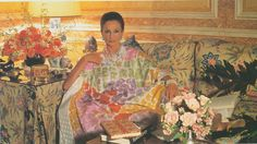 Jacqueline de Ribes in a stunning caftan (The Peak of Chic®: The Frenchwoman's Bedroom) Muumuu, Classic Chic, High Society, Photography Women, The Chic, These Girls, Style Icons, Illustration, Caftans