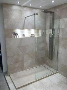 60 stunning small bathroom makeover ideas 67 ~ Design And Decoration Modern Bathroom Design, Bathroom Interior Design, Bathroom Layout, Small Bathroom, Master Bathroom, Bathroom Ideas, Ensuite Bathrooms, Modern Bathrooms, Bathroom Inspo
