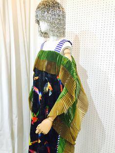 SRITALA : MACAW PLEATED RUFFLE DRESS : DETAIL 3#remakeclothes #ream #sritala #changchui #changchuibkk #bangkok #thailand #dress #macaw