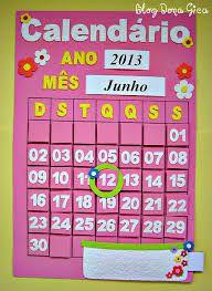 Resultado de imagem para calendário eva Calendar Bulletin Boards, Calendar Board, Kids Calendar, School Calendar, Felt Crafts Diy, Crafts To Make, Calendar Activities, Class Decoration, Baby Time