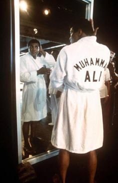 It's a Knockout: Muhammad Ali Robe on Blurt Online Sting Like A Bee, Float Like A Butterfly, Sports Personality, Combat Sport, Muhammad Ali, My People, Famous Faces, Ufc, Champs