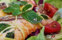 Healthy Pan-seared Salmon Salad with Himalayan Crystal Salt