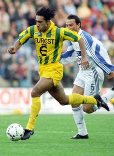 Patrice Loko of F. Nantes in Fc Nantes, Football Players, Soccer Ball, Running, Retro, 1990s, Forever, Feelings, Soccer