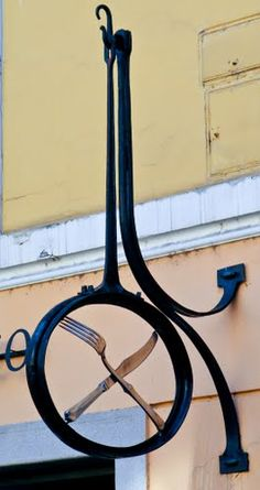I really like this sign, so simple. Knife & Fork - Hungary