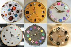 Para hacer este bonito reloj necesitamos: un bastidor, un mecanismo de reloj, tela y botones. Es muy original e ideal para ponerlo en vuestros talleres.