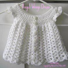Adornado From Above: Recém-nascido Padrão Anjo Asa Crocheted Vestido