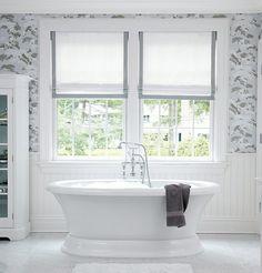 badezimmer gestalten freistehende badewanne fenster sichtschutz