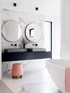 If you have a small bathroom in your home, don't be confuse to change to make it look larger. Not only small bathroom, but also the largest bathrooms have their problems and design flaws. Bad Inspiration, Bathroom Inspiration, Interior Inspiration, White Marble Bathrooms, Bathroom Black, Master Bathroom, Bathroom Modern, Blush Bathroom, Colorful Bathroom