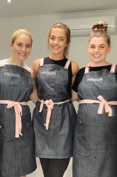 The team at know how to rock Pink Straps! 💕 Paired with our Henry apron in Charcoal, this look is sure to keep this team clean and united 😎 With our 'Choose Your Strap' apron range you can choose from up to 13 different coloured straps Beauty Salon Uniform Ideas, Beauty Salon Decor, Beauty Salons, Beauty Salon Design, Nail Salon Design, Salon Interior Design, Beauty Therapist Uniform, Rustic Weddings, Outdoor Weddings
