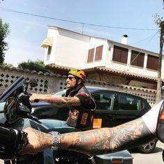 "Sandro Venganza on Instagram: """"... just ride beside and be my brother"" #harleydavidsondynabobber #harleydavidsondynasport #harleydavidsondynaswitchback #harleydavidsondynawide #harleydavidsondynapictures #harleydavidsondynamodels American Motorcycles, Old Motorcycles, Motorcycle Exhaust, Motorcycle Clubs, Harley Davidson Dyna, Harley Davidson Motorcycles, Sandro, Street Bob, Old Bikes"