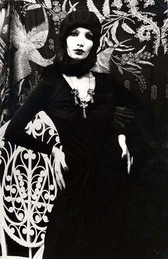 Femme au béret - Irina Ionesco