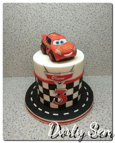 New cars cake pops tutorial cupcake toppers 32 ideas Birthday Party Desserts, 3rd Birthday Cakes, Cars Birthday Parties, Mini Tortillas, Lighting Mcqueen Cake, Mcqueen Car Cake, Cars Cake Pops, Car Cakes For Boys, Lightning Mcqueen Birthday Cake