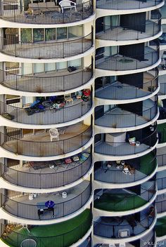 Vertical Living, Marina City, Chicago by Bertrand Goldberg, completed in 1964.