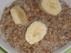 Hrisca cu lapte - imagine 1 mare Sweets Recipes, Baby Food Recipes, Cooking Recipes, Raw Vegan Recipes, Healthy Recipes, Tasty, Yummy Food, Food Art, Oatmeal