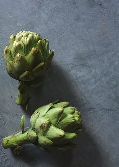 food styling: green artichokes | vegetable: artichoke . Gemüse: Artischocke . légume: artichaud | Photo: Linda @ flickr |