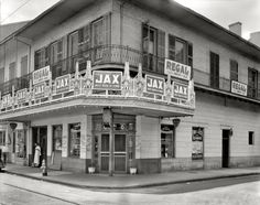 """New Orleans, Louisiana, circa 1937. """"Tortorich Restaurant, Royal Street."""" Shorpy Historical Photo Archive :: Best Beer in Town: 1937"""