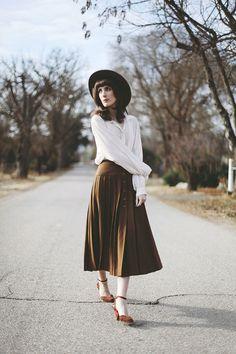 Quiet Winter Wandering: vintage white blouse, vintage brown button skirt, Modcloth Cinnamon Scones Heels and Brixton brown hat