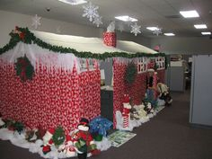 decorating ideas for work cubicles | cubicles at work decorated for christmas | Cubicle Christmas/ Offic ...