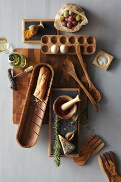 These wooden utensils and dishes are awesome. I'd love to find a good set of these.