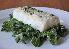 Dinner: Panko-Crusted Fish: Research suggests that a diet rich in omega-3s may help your body detox from environmental pollutants. This panko-crusted fish, served on a bed of nutrient-rich kale, will end your detox day on the right note.