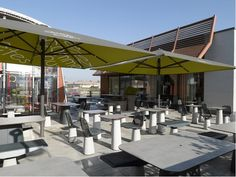 """En collaboration avec l'éditeur Alias et pour le géant américain du fast food, le designer Patrick Norguet a imaginé la ligne de mobilier d'extérieur """"Come"""" qui équipera les terrasses et espaces extérieurs des McDonald's du monde entier."""
