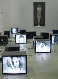 love is touching souls _ modern obsessions Borderlands, Sainte Cecile, Tv Installation, Instalation Art, Arte Cyberpunk, New Media Art, Art Sculpture, Expositions, Stage Design