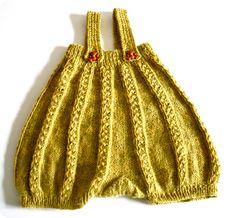 """ballonbukser fra """"All you knit is love"""""""