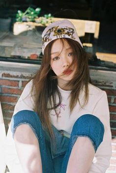 "Lee Sung Kyung - ""Be Joyful"" Personal Photobook"