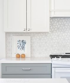 White Glass Tile Backsplash - Design photos, ideas and inspiration. Amazing gallery of interior design and decorating ideas of White Glass Tile Backsplash in bathrooms, kitchens by elite interior designers. Two Tone Kitchen, Kitchen Redo, Kitchen Tiles, Kitchen Remodel, New Kitchen, Kitchen Colors, Küchen Design, Home Design, Interior Design