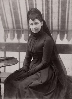 Grand Duchess Louise of Baden in mourning. 1890s.  https://www.pinterest.com/robertlevitan/german-royal-families/