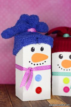 Wood Block Snowman Craft - The Best Christmas Craft this Season wood crafts for kids - Wood Crafts Kids Crafts, Easy Arts And Crafts, Winter Crafts For Kids, Toddler Crafts, Craft Kids, Christmas Wood Crafts, Kids Christmas, Holiday Crafts, Wood Snowman