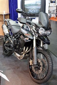 Triumph Tiger 800 XC black
