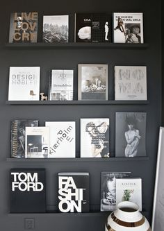 """One of my favorite places in the house is our black corner with the wall of books. I just love the dramatic and supermatte """"LADY 9938 Dempet Sort"""" that makes"""