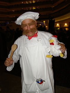 The Swedish Chef cosplay. I may have found my Halloween costume ! Pirate Cosplay, Epic Cosplay, Amazing Cosplay, Disney Cosplay, Holidays Halloween, Halloween Fun, Halloween Costumes, Halloween Decorations, Cool Costumes