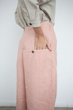 High waist, wide leg pant in Dusty Rose linen with branded brass hardware, deep pockets and zip fly. Made in Los Angeles. 69 is a unisex clothing line based out of Los Angeles. Top Fashion, Fashion Details, Hijab Fashion, Womens Fashion, Fashion Design, Fashion Dresses, Hijab Styles For Party, Hijab Style Tutorial, Modest Wear