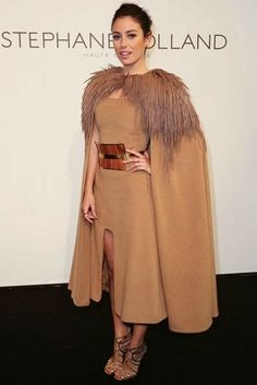 #BlancaSuarez de #StephaneRolland #Paris #Fashion #Week #Fall #Winter #2014 #FW2014 #Looks #Outfits #FrontRow #BOGUE