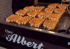 Belgian waffles streetside in Bruges, Belgium Belgian Waffles, Cook At Home, Places To Eat, Fine Dining, Belgium, Men Hairstyles, Meals, Cooking, Breakfast