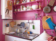 pink kitchen, originally from Domino Magazine Layout Design, Kitchen Dining, Kitchen Decor, Paris Kitchen, Kitchen Walls, Kitchen Nook, Kitchen Sinks, Kitchen Furniture, Kitchen Ideas