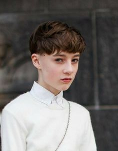 40 Best Short Hairstyles Ideas For Beautiful Women Hairstyles Pictures Haircut For Thick Hair, Short Hair With Bangs, Pixie Haircut, Short Hair Cuts, Short Hairstyles For Women, Hairstyles With Bangs, Hair Pictures, Hairstyles Pictures, Queer Hair