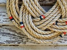 How to Tie a Nautical Rope Wreath : Decorating : Home & Garden Television