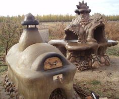 Cob ovens from Anastasian spiritual permaculture settlement in Issyk-Kul, Kyrgyzstan. Wood Oven, Wood Fired Oven, Natural Building, Green Building, Clay Oven, Bread Oven, Pizza Oven Outdoor, Tadelakt, Stove Oven