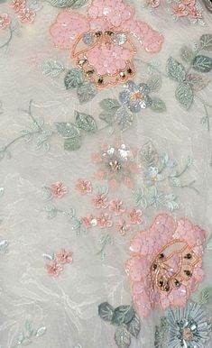 Couturier | Высокое шитьё Tambour Beading, Tambour Embroidery, Hand Work Embroidery, Couture Embroidery, Embroidery Fashion, Hand Embroidery Designs, Embroidery Dress, Beaded Embroidery, Embroidery Patterns